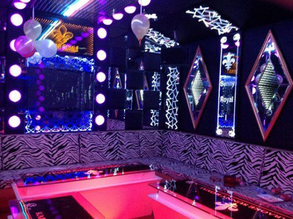 guong trang tri phong karaoke