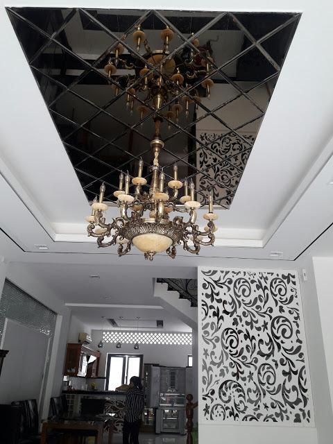Kính thủy trang trí trần nhà