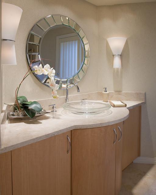 Kính ghép trang trí phòng tắm